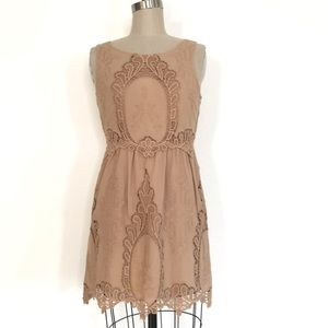 Black Sheep S embroidered lace dress